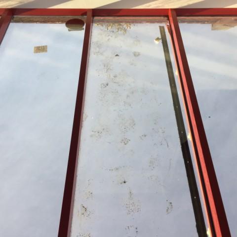 Zonwerend dubbel glas vervangen in lichtstraat gallerij afbeelding 3